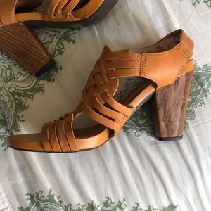 Clark's High Heel sandals